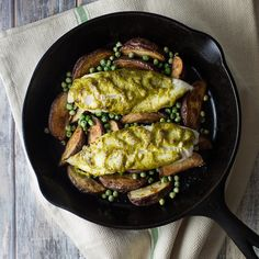 Tilapia with New Potatoes. Tilapia with New Potatoes Peas and Pesto Mayo is an easy and delicious one pan meal! Baked Seafood Recipe, Grilled Seafood, Seafood Recipes, Food Dishes, Main Dishes, Pesto Mayo, Sea Food Salad Recipes, Scallop Recipes