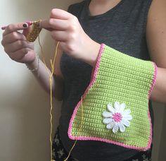 Crochet club: Crochet Travel Bag by Kate Eastwood on the LoveCrochet blog