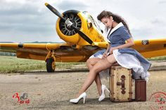 Collection of Aviation Pin Up and Nose Art copyrights belong to their respective owners. These are images I've found publicly accessible while browsing the Internet, unless otherwise stated. Pin Up Girl Vintage, Retro Pin Up, Nylons, Pin Up Girls, Fly Girls, Poses Pin Up, Ww2 Planes, Rockabilly Pin Up, Pin Up Photography