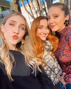 """10.5 mil curtidas, 112 comentários - Olga Lucia Vives (@olgaluciavives) no Instagram: """"¡¡Cómo no amar a este par!! Me emociona mucho lo que nos viene juntas. 👩🏼👩🏻🦰👱🏻♀️"""" Instagram, Princesses"""