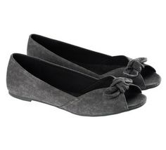 Shoes Flower Prints, Flats, Outfits, Shoes, Fashion, Loafers & Slip Ons, Moda, Floral Patterns, Suits