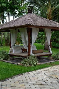 75 Cozy Backyard Gazebo Design Ideas - All For Garden Balinese Garden, Bali Garden, Tropical Garden, Tropical Houses, Cozy Backyard, Backyard Gazebo, Backyard Landscaping, Landscaping Ideas, Backyard Cabana