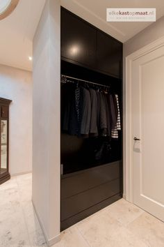 1200 Sq Ft House, Black Hallway, Small Appartment, Best Baby Cribs, Flooring For Stairs, Dinner Room, Wardrobe Design, Entry Hall, My Dream Home