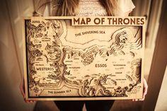 El mapa de Game of Thrones hecho en madera
