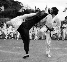 Ohara being kicked.