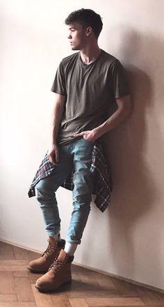 ♥ Bohemian Outfit Men, Boho Outfits, Boy Fashion, Mens Fashion, Photoshoot Pose Boy, Flannel Outfits, Boho Fashion Summer, Casual Wear For Men, Mens Flannel Shirt