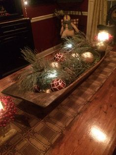 This how I decorated my large trencher at Christmas time. This how I decorated my large trencher at Christmas time. But need some great ideas for after the holidays! Farmhouse Table Centerpieces, Christmas Table Centerpieces, Christmas Arrangements, Xmas Decorations, Centerpiece Ideas, Coffee Table Christmas Decor, Primitive Christmas Decorating, Prim Christmas, Simple Christmas