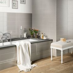 Bathroom trends 2020 – The best new looks for your space Mixer Shower, Classic Bathroom, Simple Bathroom, Laundry Room Bathroom, Bathroom Trends, Bathroom Ideas, Beautiful Bathrooms, Tile Design, Wall Tiles