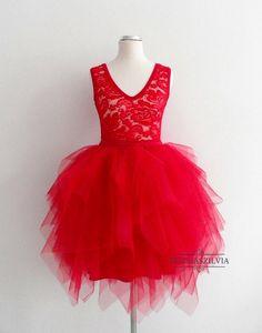 Tüllszoknya, csipke body, menyecskeruha, piros ruha, tulle, tulle skirt, lace body, red dress