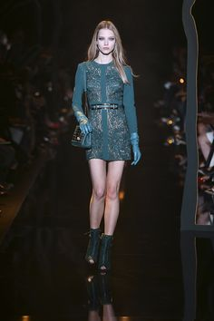 ELIE SAAB Ready-to-Wear Autumn Winter 2015-16