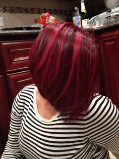 Long bob with red highlights, love my hair :)