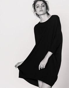 Платье-кокон однотонное - Платья - Одежда - Для Женщин - PULL&BEAR Российская Федерация
