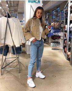 Autumn outfits Trendy outfits ideas for Winter style outfits Women Fashion Winter Outfits Fall Style Fashion Outfits Winter Fashion Outfits, Look Fashion, Autumn Winter Fashion, Fall Outfits, Warm Winter Outfits, Winter Night Outfit, Summer Outfits, Fashion Weeks, Fashion Fashion