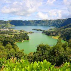 Los lagos volcánicos de la Isla de San Miguel de Azores son espacios con tanto encanto que es imposible no emocionarse al verlos! #VisitAzores