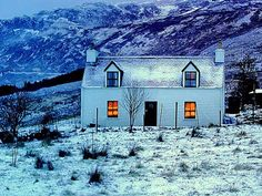 Skye Images - Winter croft house, Isle of Skye Great Places, Beautiful Places, Winter Cabin, Winter House, Moving To The Uk, England Ireland, Bothy, Prince, English Countryside