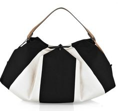 a nice b/w bag that can go with so many outfits!