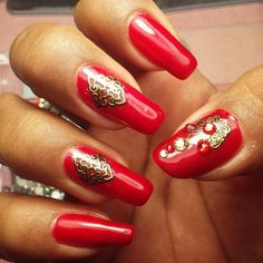 Awesome Acrylic Nail Designs Trends - - Golden-Design-Nail-Art-For-Parties Awesome Acrylic Nail Designs Trends Nail Art Acrylic Nail Designs Trends Xmas Nail Designs, Acrylic Nail Designs, Nail Art Designs, Red Acrylic Nails, Summer Acrylic Nails, Brown Nails, Pink Nails, Nails 2018, Xmas Nails