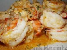 Camarão com alho e whisky, Receita Petitchef Chef Recipes, Soup Recipes, Dinner Recipes, Cooking Recipes, Shrimp Recipes, Fish Recipes, Healthy Low Carb Breakfast, Portuguese Recipes, Portuguese Food