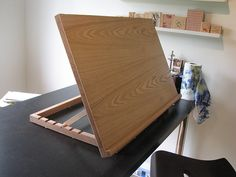 Simple  Easel made from oak plywood.
