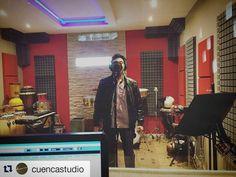 Grabando coros en @cuencastudio! #music #cumbia #luzbuena #producer #cuencastudio #studio #gopro #gopromusic