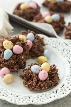 These No Bake Birds Nest Cookies are made with oats, corn flakes, mini eggs, peanut butter and are perfect for Easter. Includes step by step recipe video