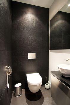 Arjen Reas Modern Shower, Modern Bathroom, Small Bathroom, Modern Toilet, Bathrooms, Small Toilet Design, Small Toilet Room, Luxury Home Decor, Luxury Interior Design