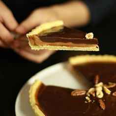 Chocolate tart and salted butter caramel - Tarte Caramel, Salted Caramel Tart, Thermomix Desserts, Easy Desserts, Dessert Recipes, Chocolat Recipe, Desserts With Biscuits, Chocolate Pies, Gourmet