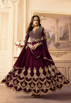 Anarkali Suit: Buy Latest Designer Anarkali Suits for Women Online Indian Anarkali Dresses, Silk Anarkali Suits, Designer Anarkali Dresses, Anarkali Gown, Indian Gowns, Indian Outfits, Black Anarkali, Salwar Suits, Lehenga
