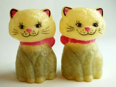 Vintage Cats Salt & pepper shakers