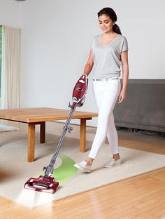 Shark Rocket TruePet Ultra-Light Upright HV322 Review: https://bestsharkvacuum.com/shark-rocket-truepet-ultra-light-upright/ #petvacuum #sharkvacuum