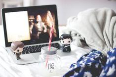 Funko Pop de Game of Thrones: Arya Stark e Jon Snow. Post sobre três séries que comecei a acompanhar recentemente: Game of Thrones, Orange is The New Black e American Horror Story.