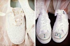 Tendencia en tennis para novia #bodas #ElBlogdeMaríaJosé #TennisNovia #ZapatosNovia #Wedding #TendenciasBoda