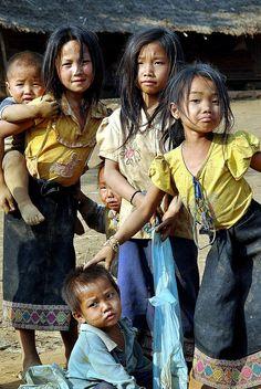 Lao Village: Children in Laos simply beautiful Poor Children, Precious Children, Beautiful Children, Beautiful People, Simply Beautiful, Kids Around The World, We Are The World, People Around The World, Laos