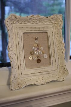 Pretty Button and Old Frame Christmas Decor