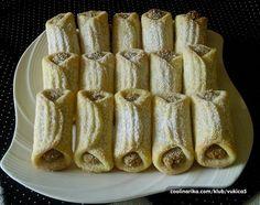 Sastojci za tijesto 200 g putera 200 g krem sira 100 g Šećera ( kristal) 2 kom žumanceta 450 g Pšenično glatko brašno Podravka mrvi...