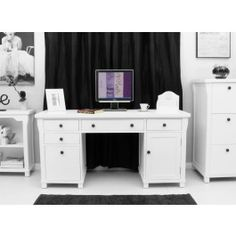 * Part of our fresh New England 'Hampton' white Home Office range<br />     * Supplied with two sets of knobs, so you can choose which best compliments your decor<br />     * This stunning twin pedestal computer desk is crafted from solid hardwood (ash)<br />     * Environmentally friendly - Our timber is sustainable and sourced from managed plantations<br />     * Exceptional build quality throughout<br />     * The overall dimensions of the desk are H80 x W161 x D55cm<br />     * Hardw...