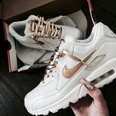 Nike air white sneaker with golden stripes