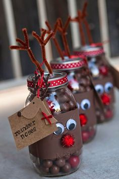 Reindeer Noses Mason Gift Jars for Christmas Party Favors - DIY Mason Jar Christmas Gifts, Christmas Party Favors, Mason Jar Gifts, Christmas Gifts For Friends, Homemade Christmas Gifts, Mason Jar Diy, Christmas Crafts, Gift Jars, Christmas Christmas