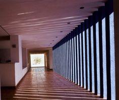 Galería de Clásicos de Arquitectura: Fábrica Renault / Ricardo Legorreta / Ricardo Legorreta - 10