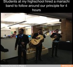 One of the best senior pranks. Best Senior Pranks, Senior Year Pranks, High School Pranks, School Memes, Look Here, I Love To Laugh, Funny Pranks, Awesome Pranks, Awesome Stuff