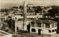 Burmalı Meacit / Şehzadebaşı Old Pictures, Old Photos, Istanbul Turkey, Romania, Interior Architecture, Paris Skyline, Mansions, Landscape, House Styles
