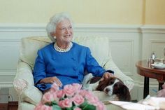 Former First Lady Barbara Bush Dies At 92 Barbara Pierce Bush, Barbara Bush, Great Women, Amazing Women, Presidents Wives, American First Ladies, Miss My Mom, Famous Women, Love Her