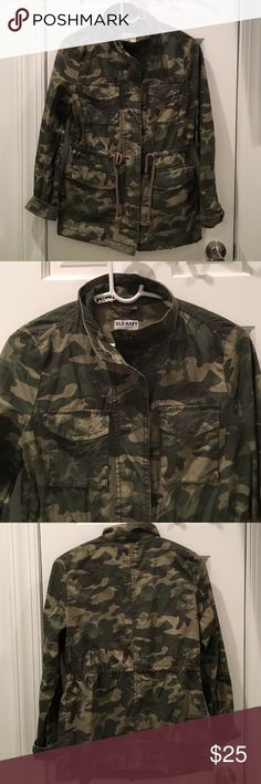 Camo Utility Jacket Trendy yet classic camo print utility jacket. Adjustable waist cinch and front pockets. 100% cotton and perfect weight for fall. Like new! Old Navy Jackets & Coats Utility Jackets
