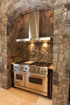 Moose Mountain Cottage Blend Thin Veneer stone from Montana Rockworks, Home built by Baywood Estate Homes