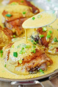 Chicken Dijonnaise, or chicken thighs with a creamy pan sauce (made with mustard, heavy cream, white wine or chicken stock). Turkey Recipes, Chicken Recipes, Dinner Recipes, Dinner Ideas, Salmon Recipes, Frango Chicken, Creamy Mustard Sauce, Cooking Recipes, Healthy Recipes