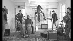 """Videoclip del tema """"Ídolos"""", del grupo Club del río. Dirigido por M. Ángel Trudu. 2015"""