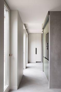 Minimalist Belgian style by Frederic Kielemoes | est living