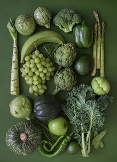 Green Fruits And Vegetables, Fruit And Veg, Vegetables List, Homemade Juice Recipe, Photo Fruit, Fruit Vert, Vegetables Photography, Green Life, Food Styling