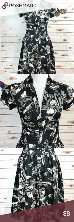 Floral Full Button Down Dress Merona Black White Great condition! Is super nice, comfy and easy to wear! Black & White with capped sleeves. Ties at the waist.  Floral Full Button Down Dress Merona Black White Small Merona Dresses Midi
