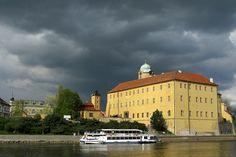 Poděbrady Castle Siena, Czech Republic, Panama, Castles, Places To See, Taj Mahal, Louvre, City, Building